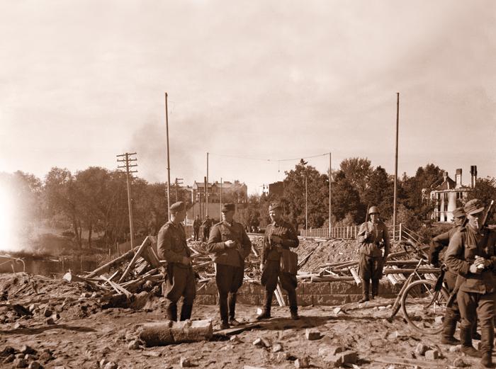 Säkkijärven polkka eli ELSO:a jatkosodan ajoilta