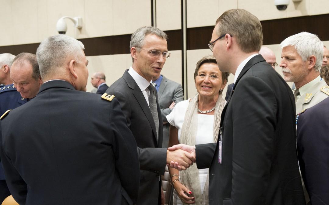 Digiriippuvuus ja Nato