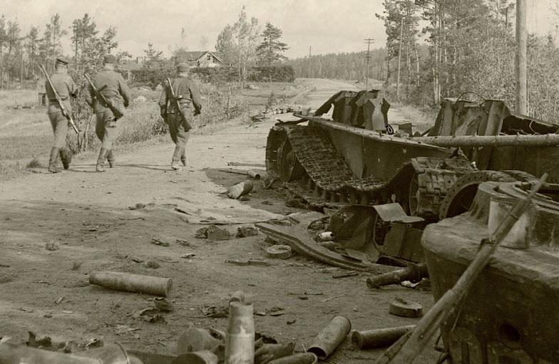 Kesä 1944 kahden puolen Suomenlahtea