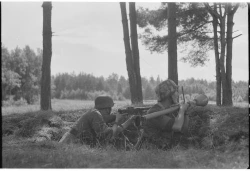 Panssarinyrkki asemassa. Vuokselan suunta 5.8.1944. Kuva: SA-kuva