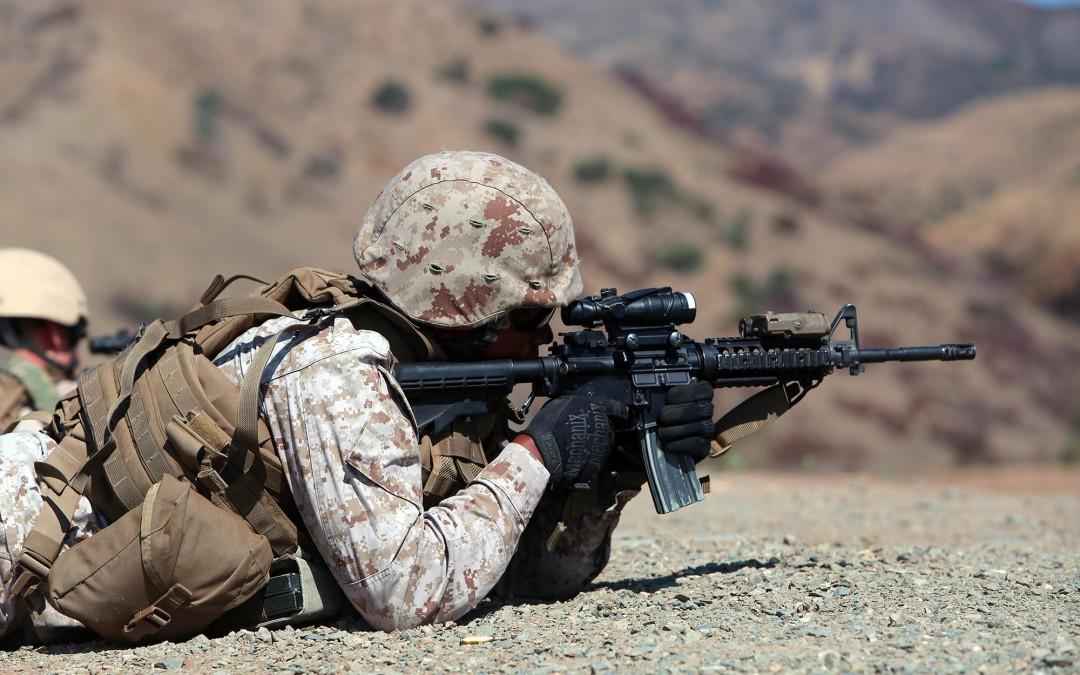 5,56 mm M4 -karbiinit Yhdysvaltain merijalkaväen kiväärimiehille