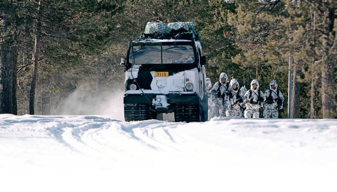 Puolustusministeri: Suomi oli oikeassa säilyttäessään yleisen asevelvollisuuden