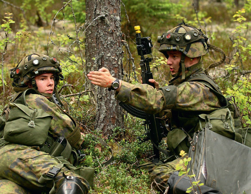 Byrokraatit strategeina…eli minkälaisia ihmisiä sotaväki haluaa ja mitä se saa?