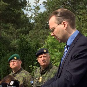 Puolustusministeri Jussi Niinistö painotti asevelvollisuuden kustannustehokkuutta niin oman maan puolustustuksessa kuin kansainvälisessä yhteistyössä. Baltpsia hän pitää hyvänä esimerkkinä kansainvälisestä yhteistyöstä, josta on hyötyä myös kotimaan puolustuksen uskottavuuden ylläpidossa.