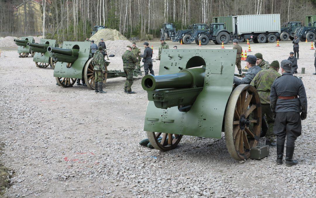 Suomi 100 – Raskas Patteristo 1 ampuu Parolassa