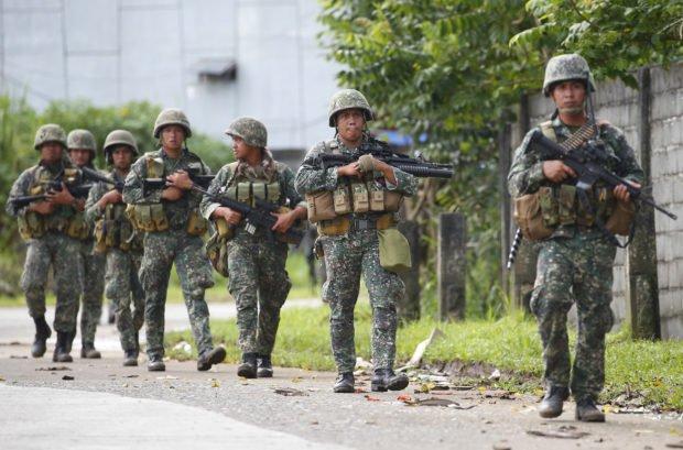 Kenen syliin Filippiinit kaatuu?