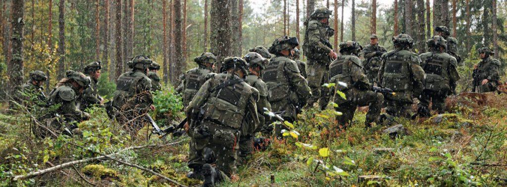 Suomalaiset_metsassa