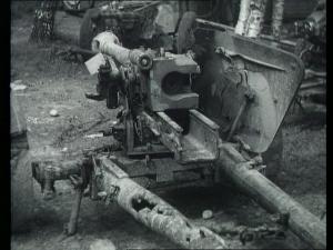 Kuvassa on Kari Kuuselan arkistoista löytämä 75mm panssarintorjuntatykki, joka on vaurioitunut juuri samalla tavalla kuin se tykki, jolla Tuomala kaatui. Se, onko kyseessä sama tykki on epävarmaa ja voi olla ettei vahvistusta koskaan saadakaan.