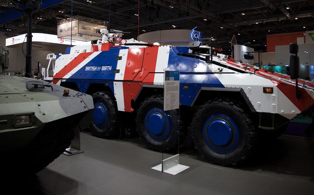 Lontoon DSEI 2017 -näyttely: sotarautaa tuutin täydeltä