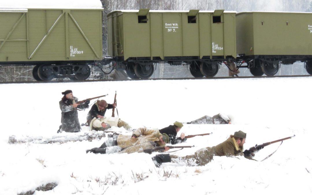 Virolainen panssarijuna löi Puna-armeijan Lahinguväljalla