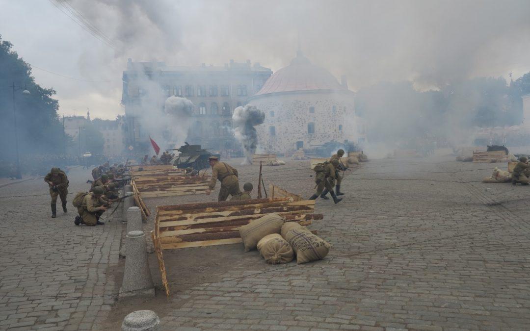 Venäläisten uusisänmaallinen taistelunäytös Viipurissa